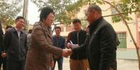 省人大常委会副主任何西庆走访慰问贫困户和困难群众 - 人民代表大会常务委员会