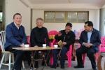省人大常委会领导节前慰问老干部老党员 - 人民代表大会常务委员会