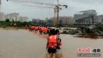 强降雨致多处受灾 万宁消防紧急营救群众400余人 - 中新网海南频道