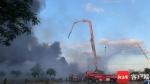 海口丘海大道一PVC管堆放场发生火灾 现场传出爆炸声 - 海南新闻中心